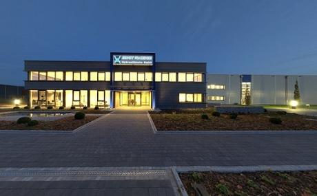 Dämmerungsansicht Firmengebäude Wagener Hydraulik in Hattingen